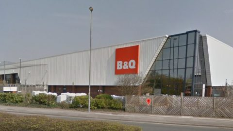 B&Q Southport store reopens with customers urged to shop responsibly