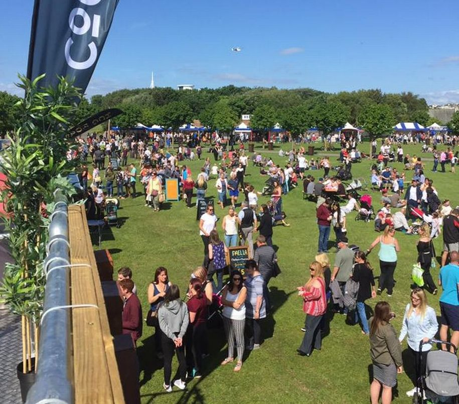 Crowds enjoy Southport Food and Drink Festival 2017 at Victoria Park. Photo by Nicole Verite