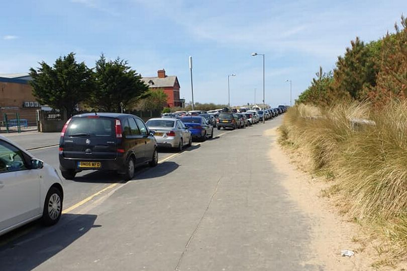 Cars queueing at Ainsdale Beach in Southport. Photo by Susan Prue