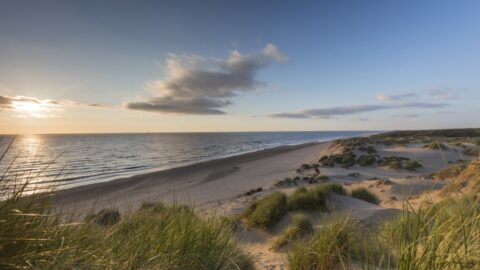 Coastal gales forecast as Formby National Trust closes car park and asks people to stay away