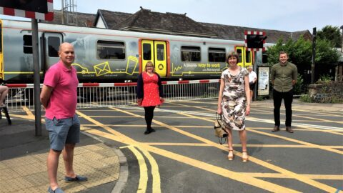 Drivers in Southport asked to turn off engines at level crossings to cut air pollution
