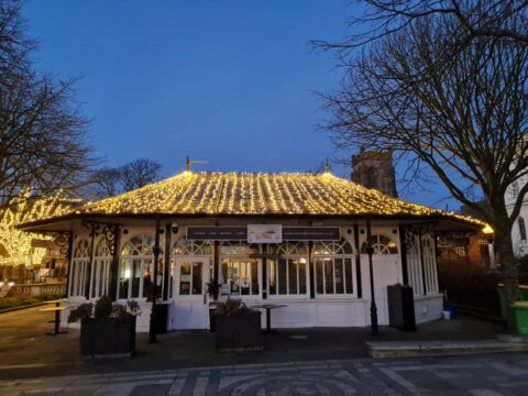 Remedy cafe in Southport dazzles with 7,000 lights as it's lit up by IllumiDex UK Ltd