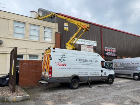 Manned cherry picker for hire in Southport as IllumiDex helps local trades to hit the heights
