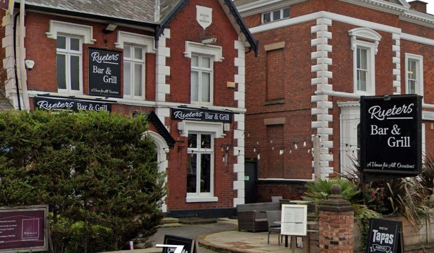 Rueters Bar & Grill on Hoghton Street in Southport