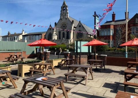 Windmill pub in Southport enjoys St George's Day reopening with new pizza oven