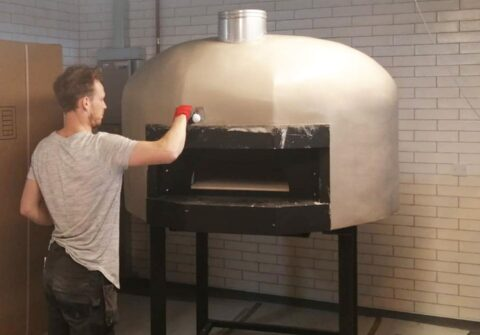600 Degrees builds new pizza oven ready for opening of new look Southport Market