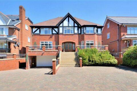 Look inside 'beautifully designed' £900,000 Birkdale luxury home