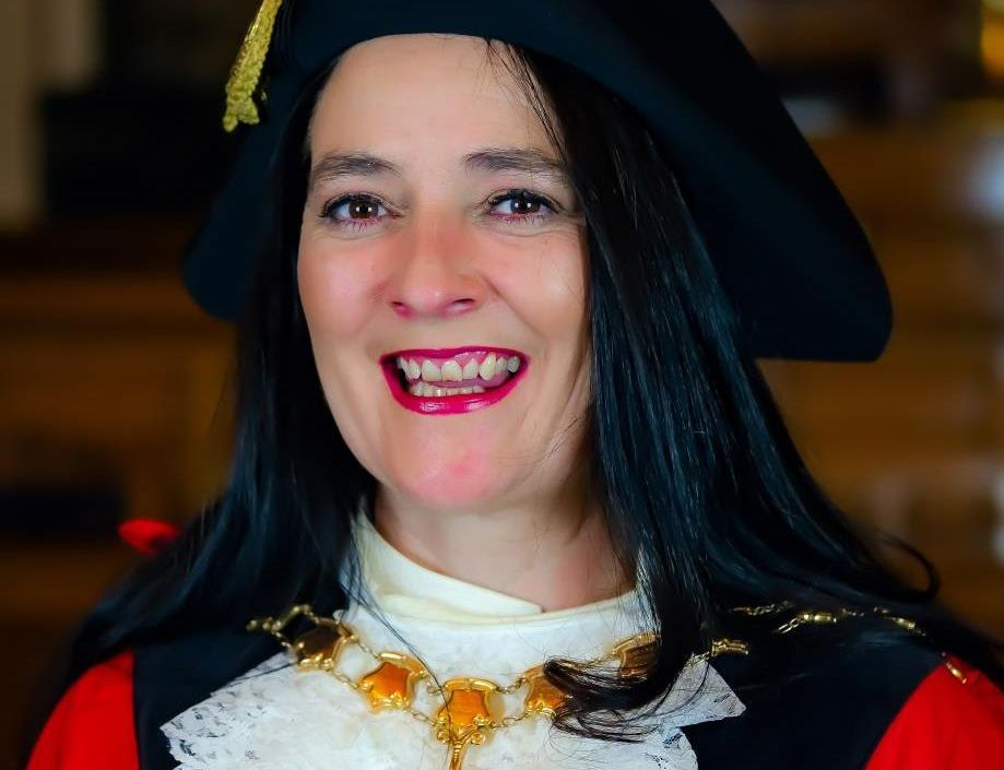 Sefton Council has officially welcomed former dancer and theatre performer Cllr Clare Louise Carragher as the borough's new civic Mayor