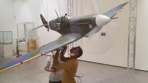 Artist spends 1,500 hours creating Spitfire sculpture honouring brave Polish World War Two RAF pilots