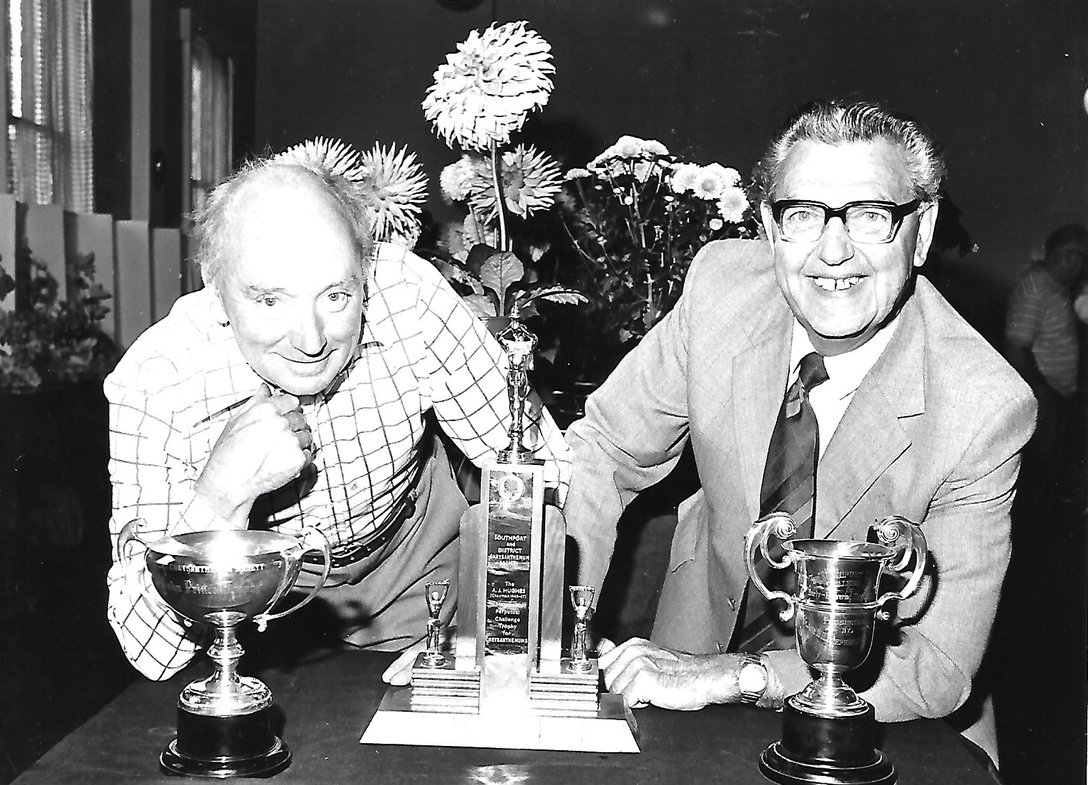 Southport Chrysanthemum Society trophy winners in September 1981